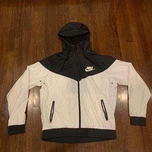 Men's Nike Windbreaker Jacket. Size Large.